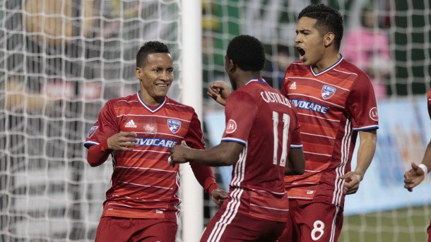 FC Dallas celebrating